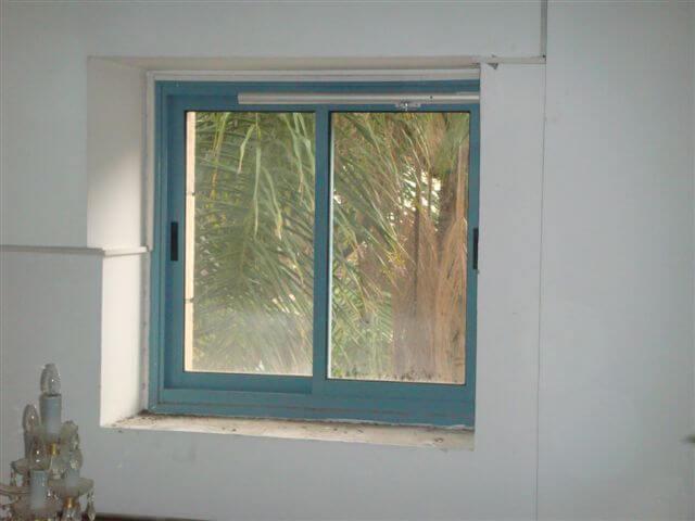 חלון עשן הזזה
